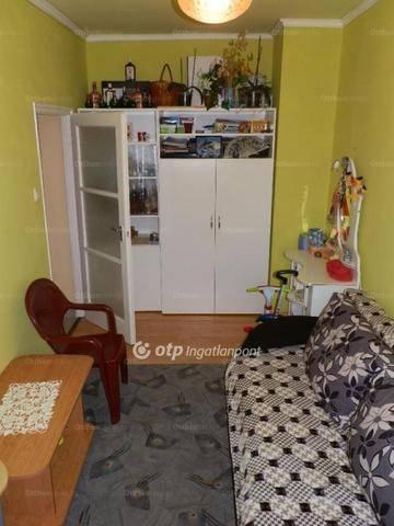Eladó lakás Hatvan a Pázsit utcában, 2 szobás