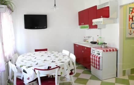 Pécsi lakás eladó, 47 négyzetméteres, 1+1 szobás