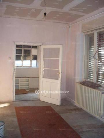 Lőrinci eladó családi ház