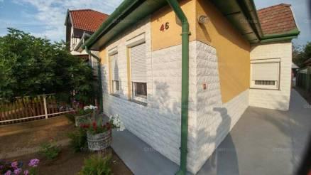 Budapesti családi ház eladó, 67 négyzetméteres, 2 szobás