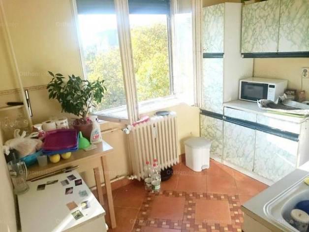 Eladó lakás, Dunaújváros, 1+1 szobás