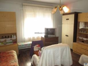 Debreceni eladó családi ház, 2+1 szobás, 90 négyzetméteres