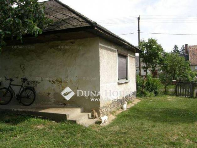 Eladó családi ház Kisbér, Kis utca, 2 szobás
