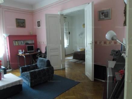 Pécs 7 szobás lakás eladó a Fürdő utcában