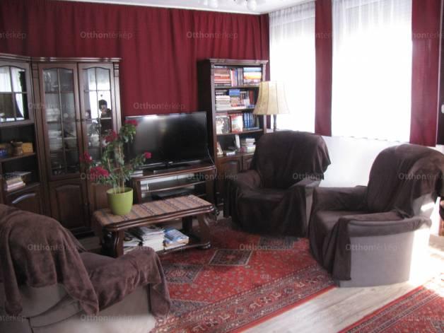 Szigethalomi eladó családi ház, 3 szobás, II. utca
