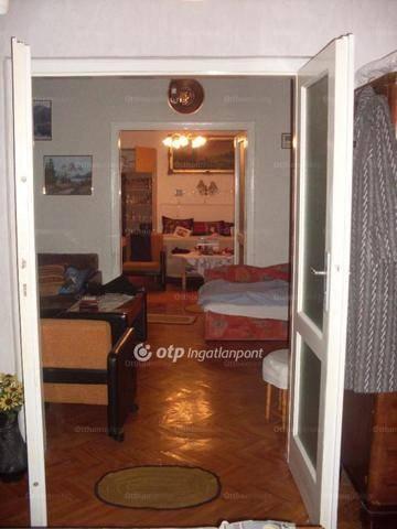 Apc családi ház eladó, Rákóczi Ferenc út, 4 szobás