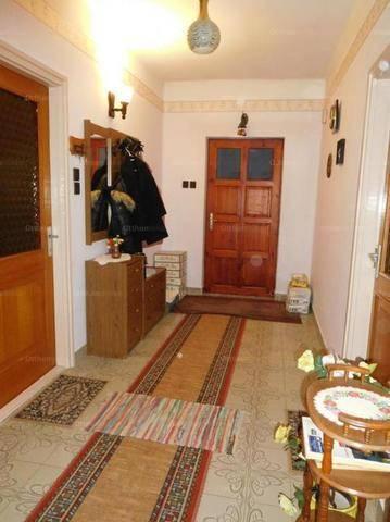 Családi ház eladó Gyöngyöstarján, 200 négyzetméteres