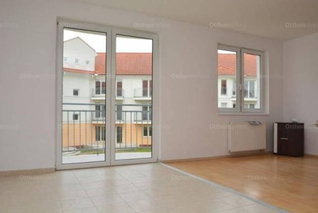 Hajdúszoboszlói új építésű lakás eladó, 105 négyzetméteres, 4 szobás
