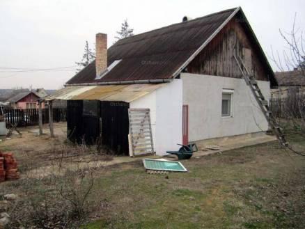 Debrecen 1+1 szobás családi ház eladó