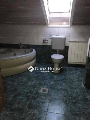 Eladó 3+2 szobás családi ház Istvántelken, Budapest, Ősz utca