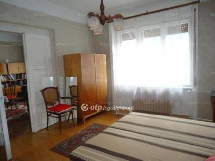 Eladó, Lábatlan, 2 szobás