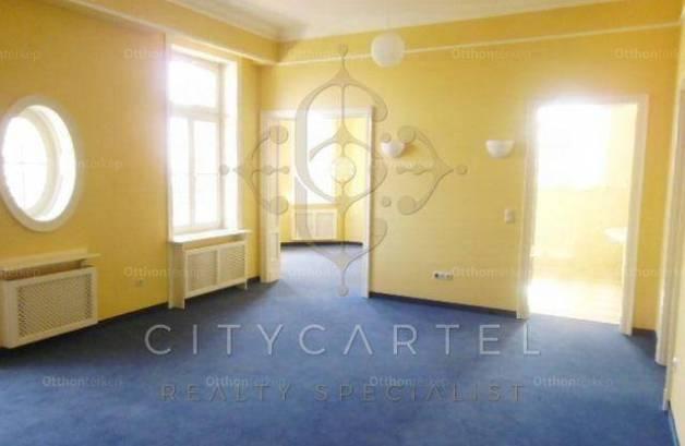 Eladó ház Svábhegyen, 15 szobás