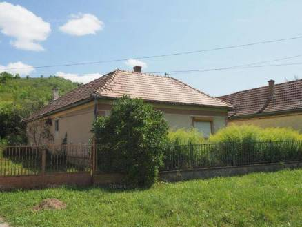 Családi ház eladó Hevesaranyos, 65 négyzetméteres
