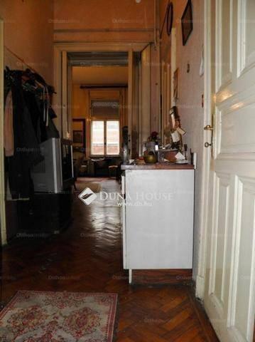 Eladó lakás Palotanegyedben, VIII. kerület Pollack Mihály tér, 3+1 szobás