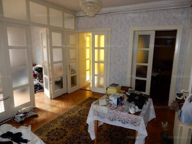 Göllei eladó családi ház, 5 szobás, 130 négyzetméteres