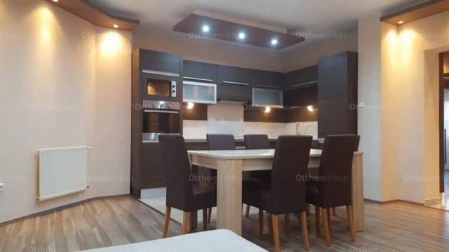 Debreceni kiadó lakás, 3 szobás, 96 négyzetméteres