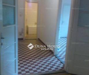 Almásfüzitő 1 szobás lakás eladó a Kőolaj lakótelepen