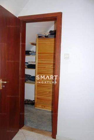 Eladó lakás Kecskemét, Bercsényi utca, 2 szobás
