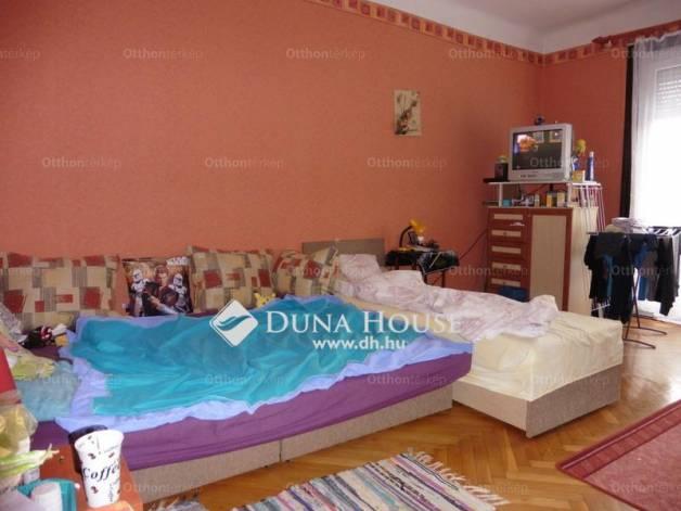 Pécsi lakás eladó a Páfrány utcában, 52 négyzetméteres