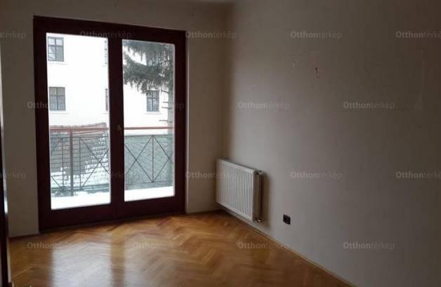 Győr lakás eladó, 4 szobás