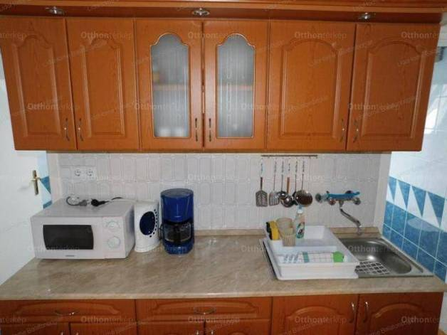 Fonyód 6 szobás családi ház eladó