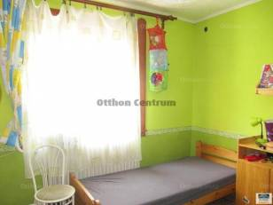 Debreceni családi ház eladó, 80 négyzetméteres, 3 szobás