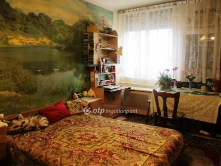 Szolnoki eladó lakás, 1+1 szobás, 42 négyzetméteres