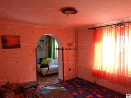 Eladó családi ház Salgótarján, 1+2 szobás