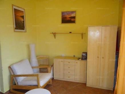Eladó nyaraló, Balatonfenyves, 2+1 szobás