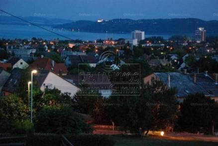 Balatonfüredi új építésű sorház eladó, 270 négyzetméteres, 5 szobás
