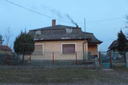 Eladó 3 szobás családi ház Pilis