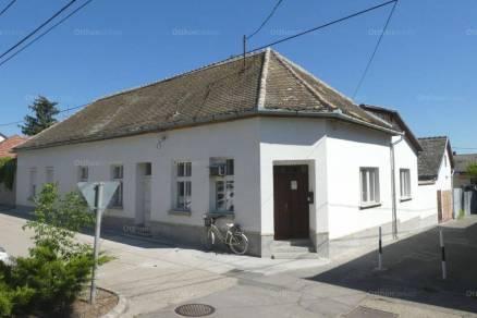 Kalocsa 4 szobás családi ház eladó