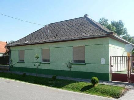 Bátya családi ház eladó, 4 szobás