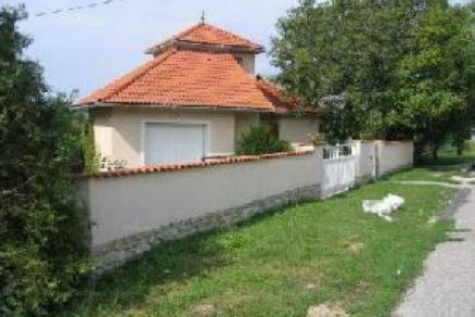 Eladó családi ház Balatonfüred, 2+3 szobás