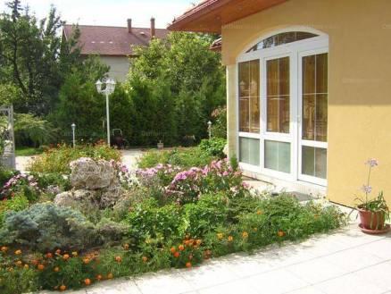 Eladó 4 szobás családi ház Balatonfüred