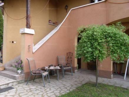 Eladó 8 szobás családi ház Debrecen