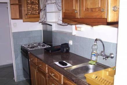 Pécs 2+2 szobás házrész eladó a Kürt utcában