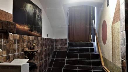 Budapesti lakás eladó, Terézvárosban, 3 szobás