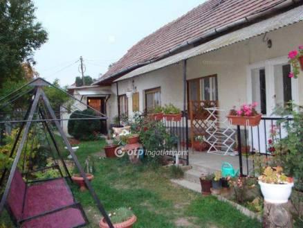 Budaörs családi ház eladó, 4+1 szobás
