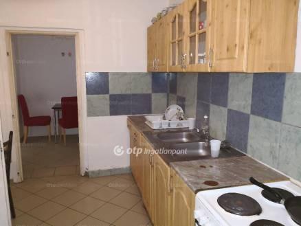 Eladó, Sopron, 4+1 szobás