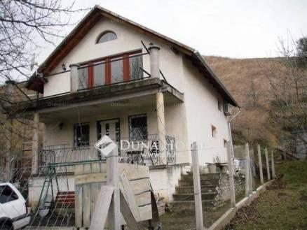 Eladó családi ház Tokod, 1 szobás