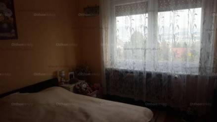 Eladó ikerház Budaörs a Beregszászi utcában, 2+6 szobás