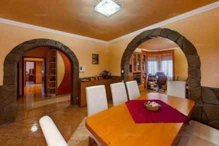 Szeged családi ház eladó, 6 szobás