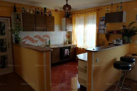Eladó 2 szobás lakás Makó a Hunyadi utcában