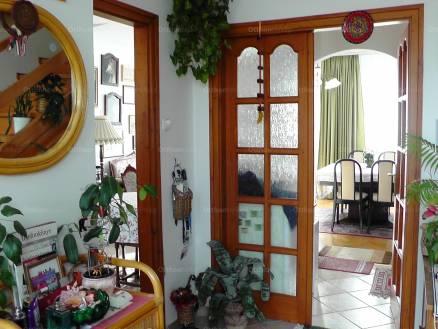 Eladó 3+1 szobás lakás Veszprém, Budapest út