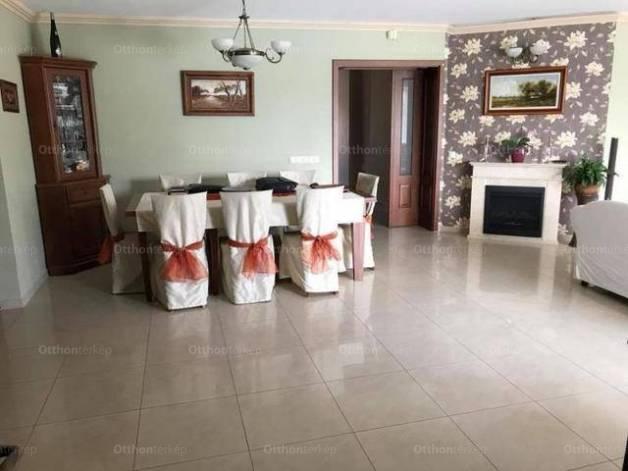 Eladó, Baja, 3 szobás