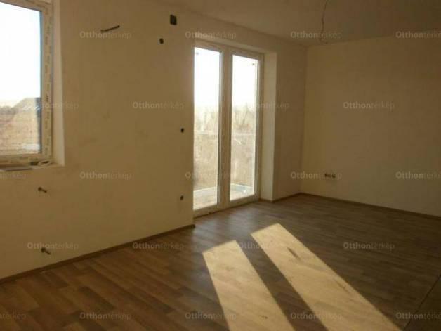 Üllő új építésű, 2 szobás