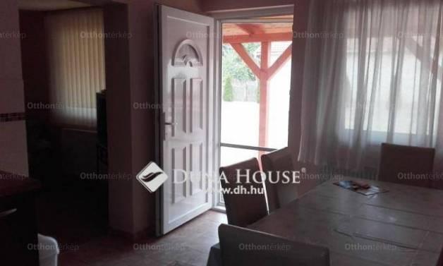 Jászárokszállási családi ház eladó, 100 négyzetméteres, 3 szobás