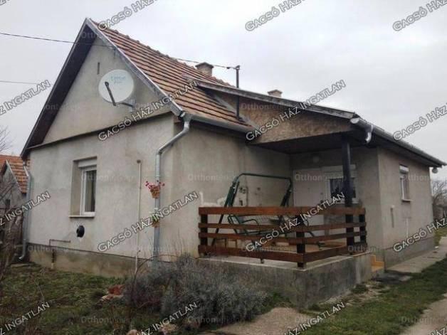 Besnyő 2+1 szobás családi ház eladó