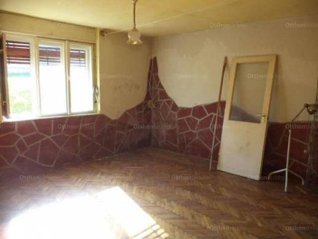 Bakonynánai eladó családi ház, 2 szobás, 75 négyzetméteres